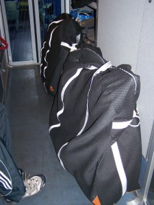 Les vélos dans leur housse dans le train
