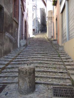Rue menant à la cathédrale