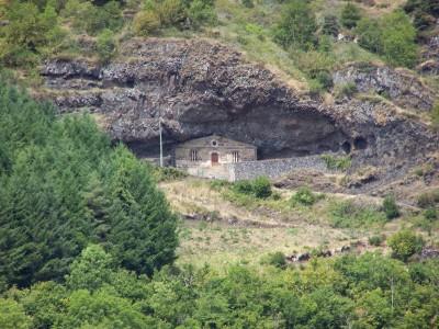 Chapelle troglodyte de la Madeleine
