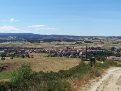 Vue sur le village de Saugues