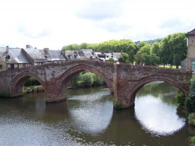 Pont sur le Lot à Espalion